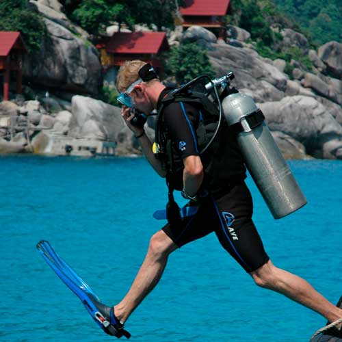 PADI work as a Divemaster diving in Thailand