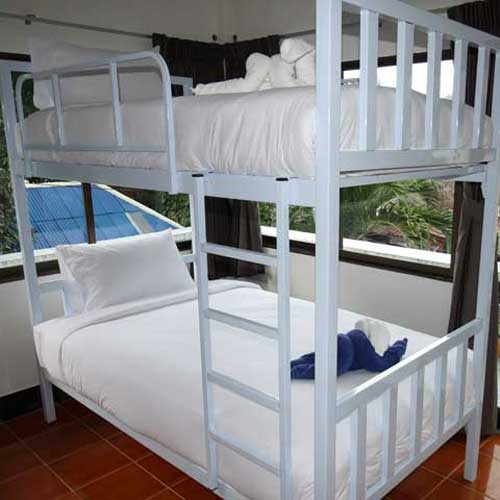 Budget dorm accommodation for divers in Koh Tao